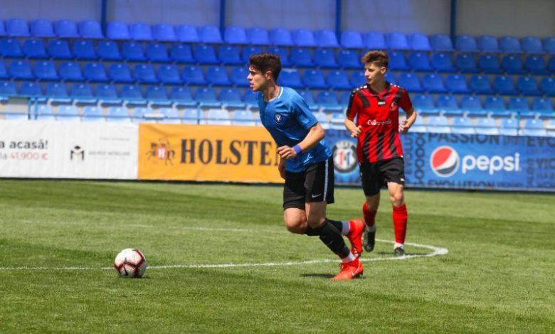 De la Șoimii Lipova, sub comanda directă a lui Gică Hagi: Gabi Buta se pregătește să debuteze în Liga 1