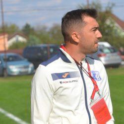 """Lipova a fost peste Pecica în derby și e lider cel puțin până mâine! Sabău: """"Nu am fructificat ocaziile ce ne puteau face meciul mai liniștit!"""""""