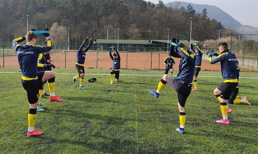 Doar 34 de minute de fotbal în amicalul Deva - Lipova, în final au câștigat...nervii